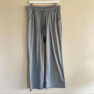 NIKE Women's Grey Track Pants Warm Up Size L